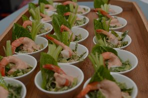 Canap s for Mini prawn cocktail canape