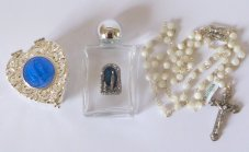 Mother of Pearl Rosary Beads Gift Set